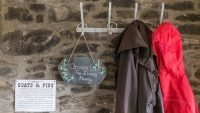 Cwt Mochyn holiday cottage - porch with coat rack