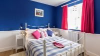 Cwt Mochyn holiday cottage - double bedroom