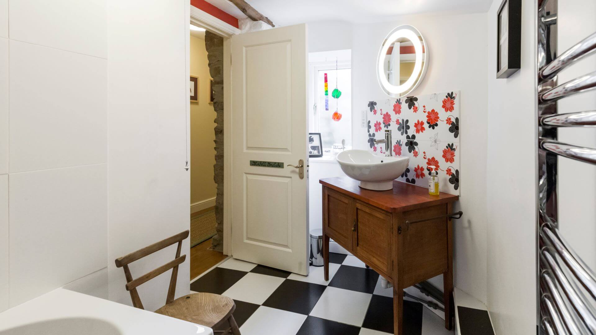 Cwt Mochyn holiday cottage - family bathroom